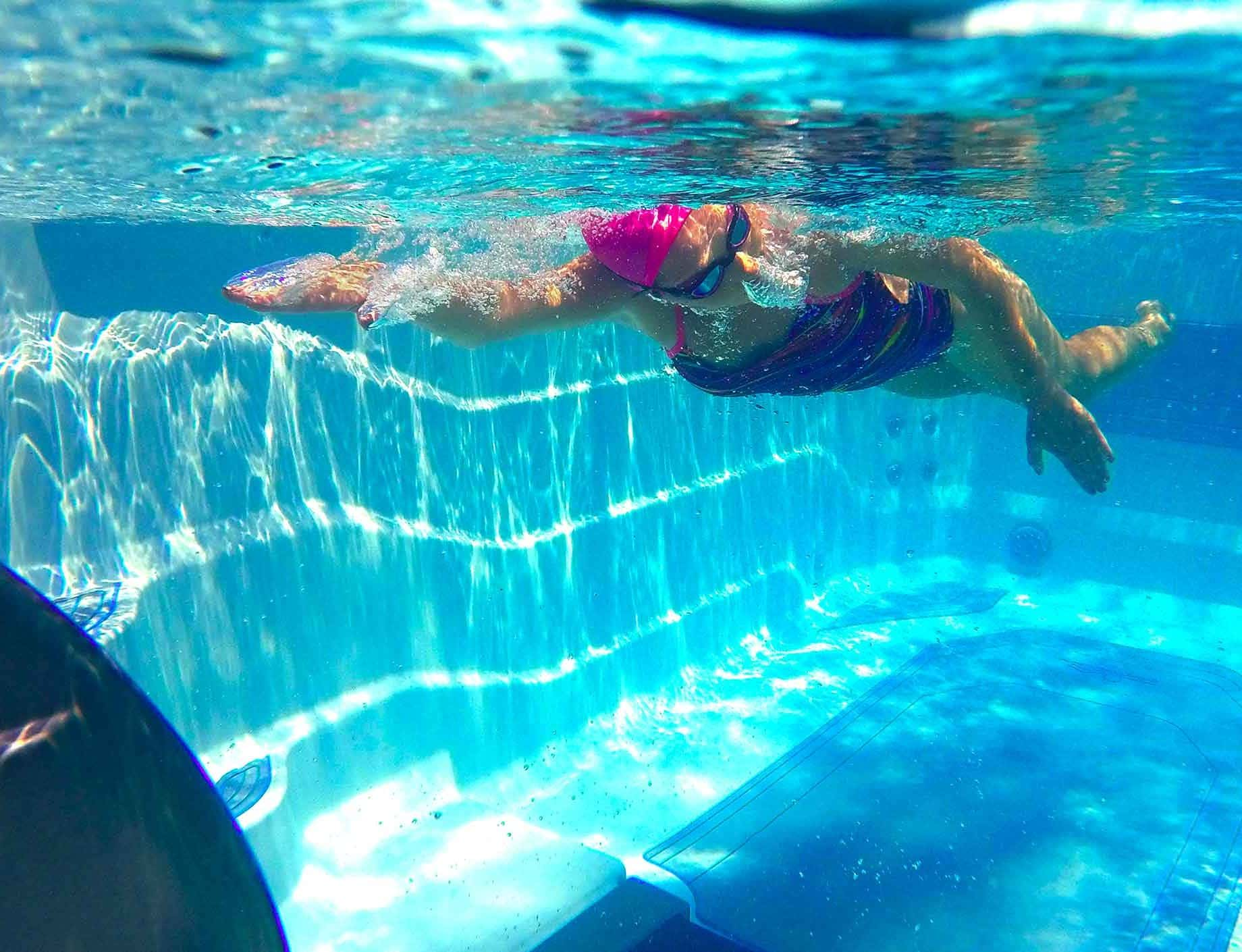 Aqua Fitness, swimspa, kvinna crawlar, Pool store
