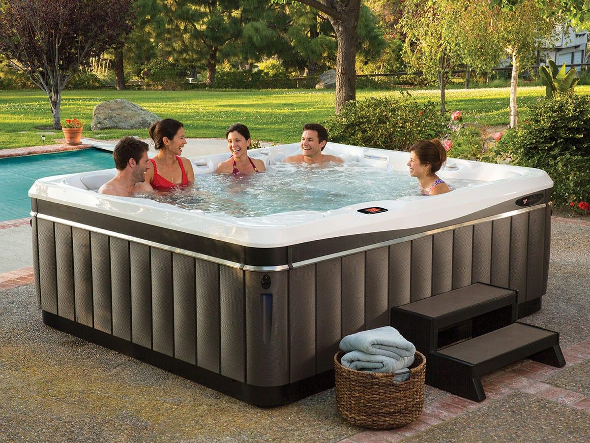 Spabad Utopia Cantabria, vänner tar ett dopp, Pool store