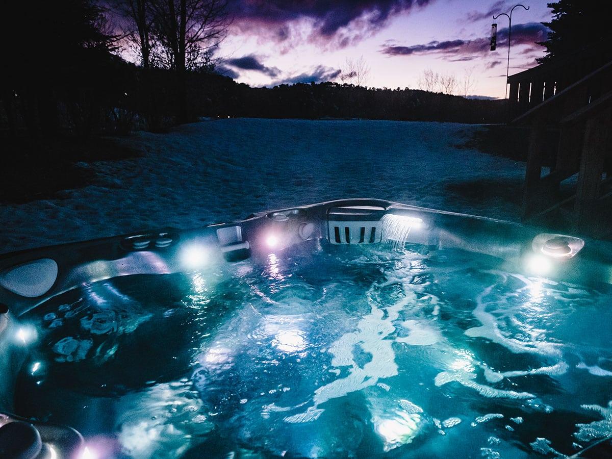 Spabad Caldera Utopia Cantabria, vy över sjö vid skymningen, Pool store