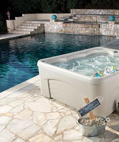 Fantasy spabad, Pool store