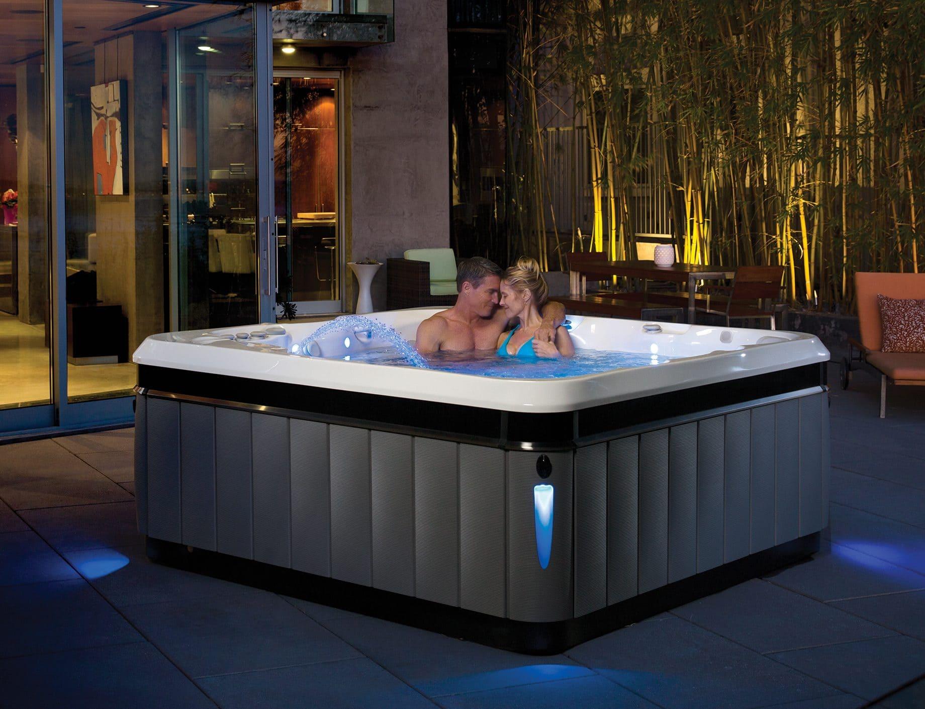 Spabad Caldera Utopia Tahitian, par badar i skymning, Pool Store